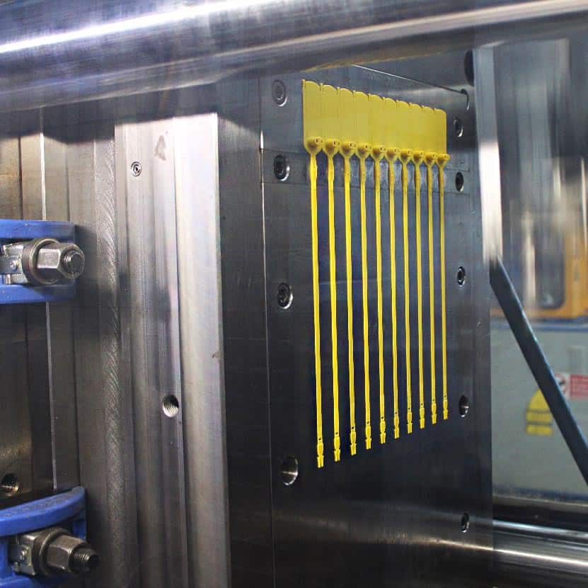 Stampo molding Oniloc security seals production